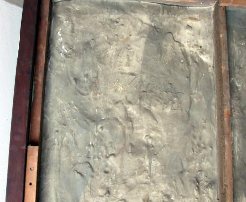 Petrosomatoglyphs in releif model plaster